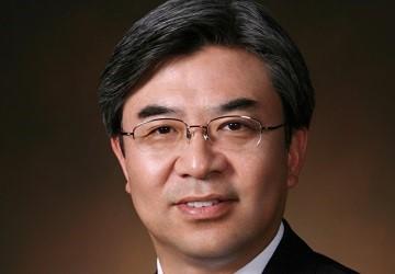 Hyun-Suk Kim – Director, President and CEO, Samsung – email address