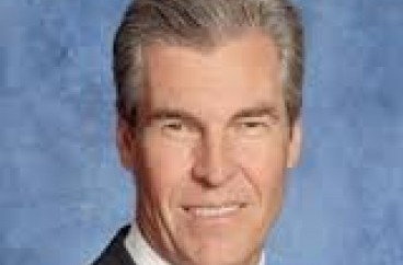 Terry J. Lundgren- Chairman and Chief Executive Officer, Macys, Inc. – email address